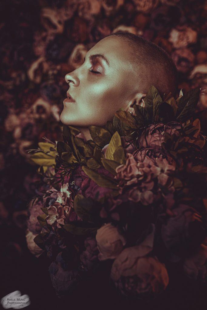 Portrait-einer-Frau-mit-blumen