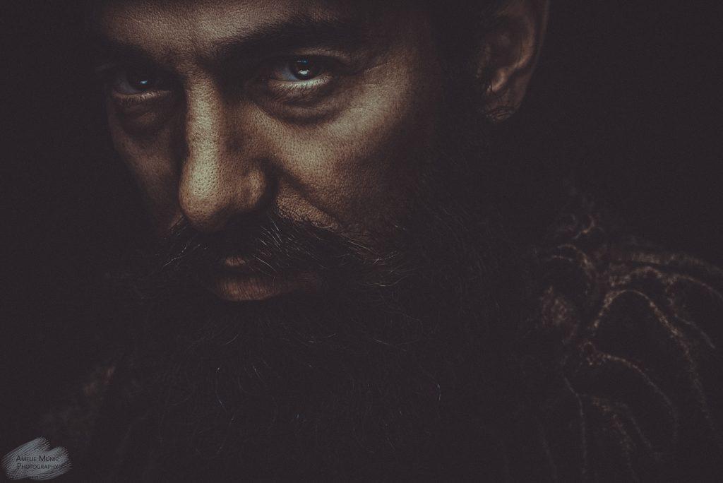 starkes-Portrait-eines-Mannes